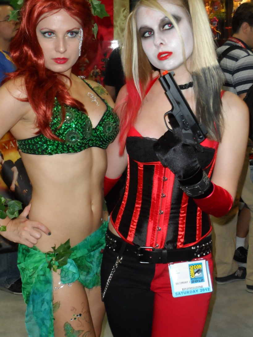 Harley Quinn and Poison Ivy Cosplay at 2012 SDCC Comic Con Photographed by Eva Halloween