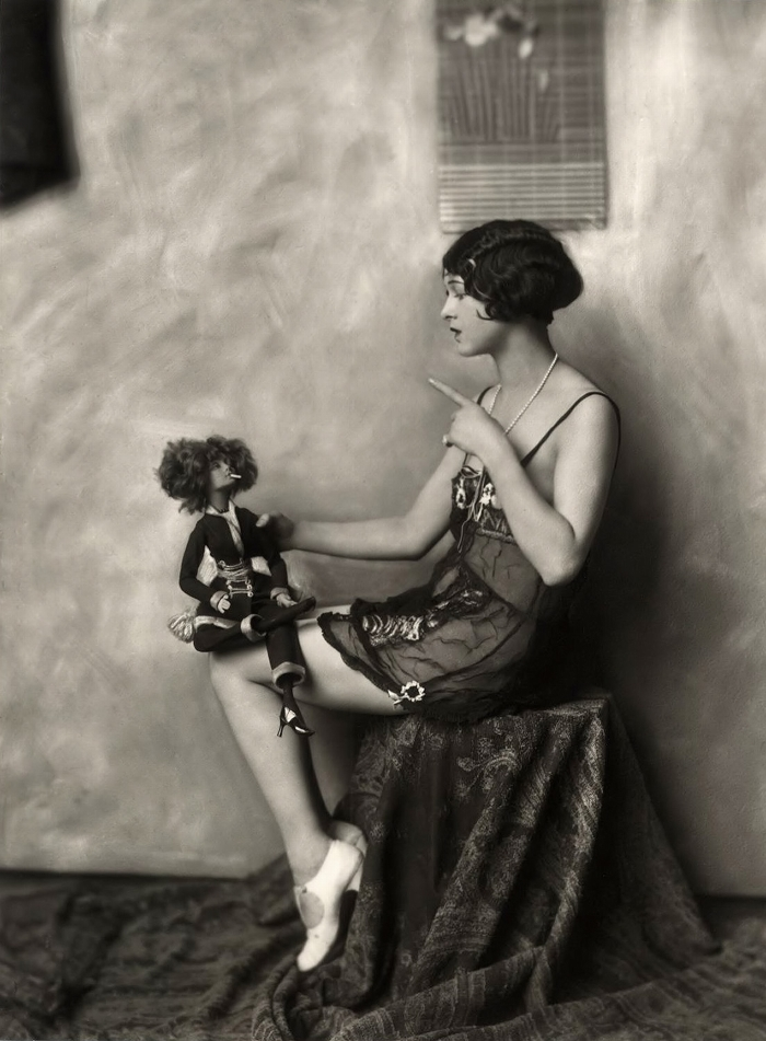 Ziegfeld Model 1920s - by Alfred Cheney Johnston