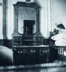bedroom in the Browne suite aboard the Titanic