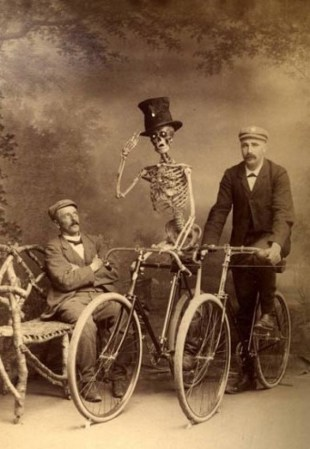 weird-vintage-photography9-e1323702516167