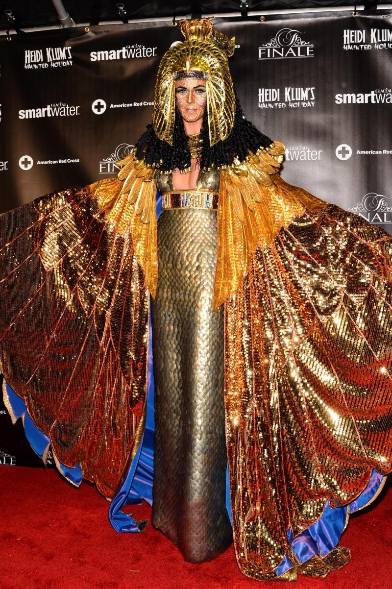 2012 heidi klum's halloween costume for halloween in december