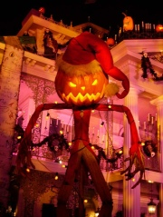 A statue of the Pumpkin King outside of Disneyland's Haunted Mansion during the 'Haunted Mansion Holiday' overlay in 2004 photographed by Imperpay