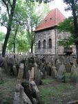 Old Jewish Cemetery in Josefov, Prague, photographed by Postdlf 22 August 2008