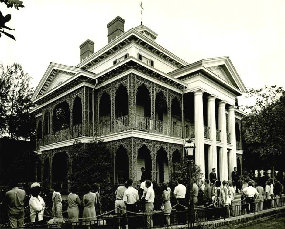 Vintage Haunted Mansion Photo via Matterhorn1959.blogspot.com