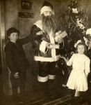 Creepy Victorian Santa by stevechasmar via Neatorama
