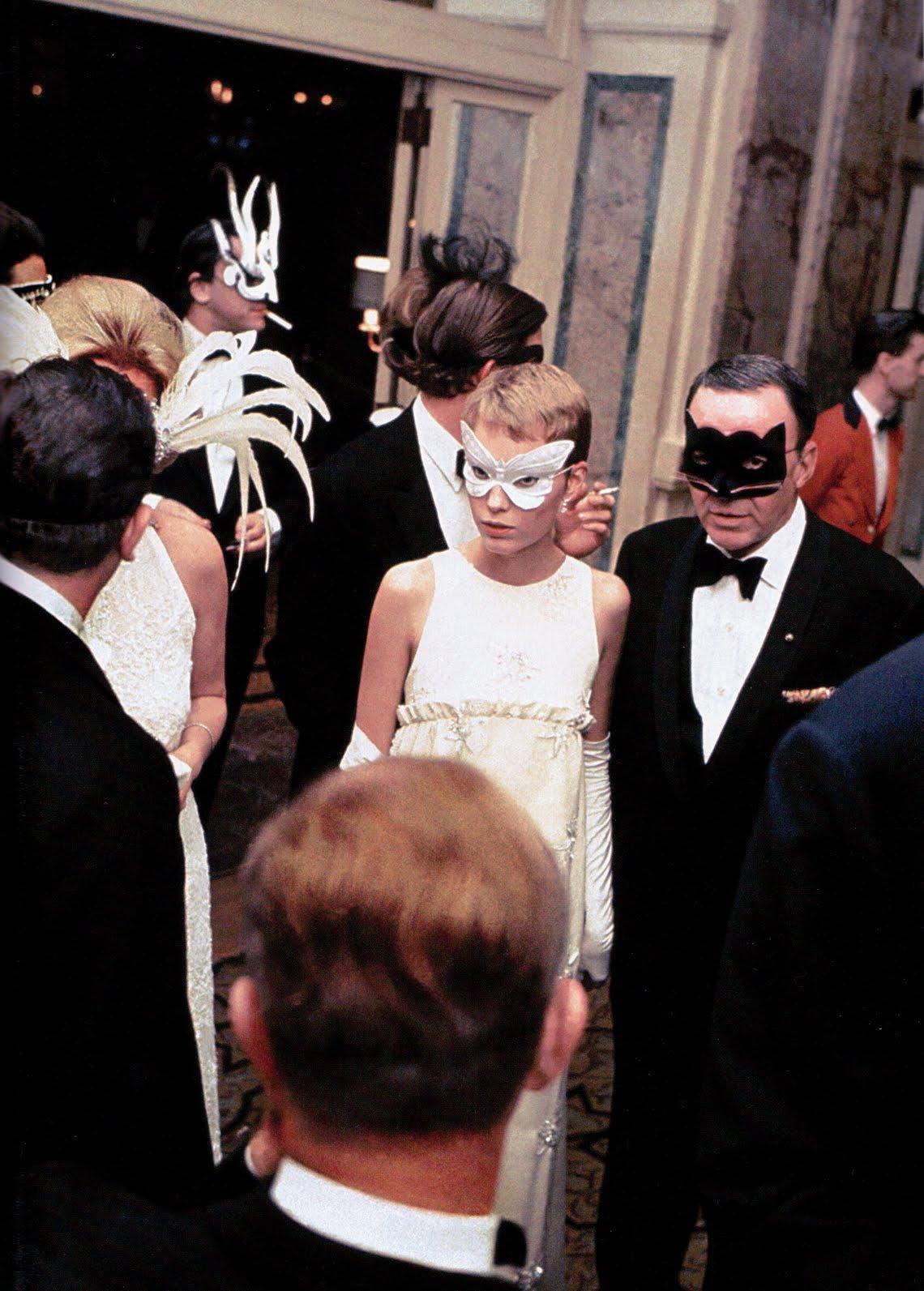 Mia Farrow and Frank Sinatra at Truman Capote's Black and White ...