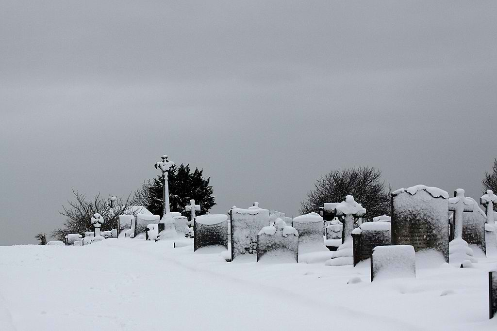 Bandon Hill Cemetery, Wallington, Surrey, December 2010, Photographed by Donald Macauley. Via Wikimedia.