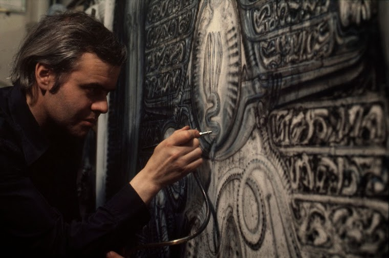 hr_giger_at_work