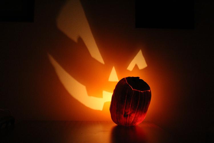 Pumpkin Projection Photographed by Matthew Gordon October 2010 via Wikipediaevahalloween