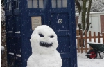 Dr Who Snowman with Tardis via Dr Who Facebook Page