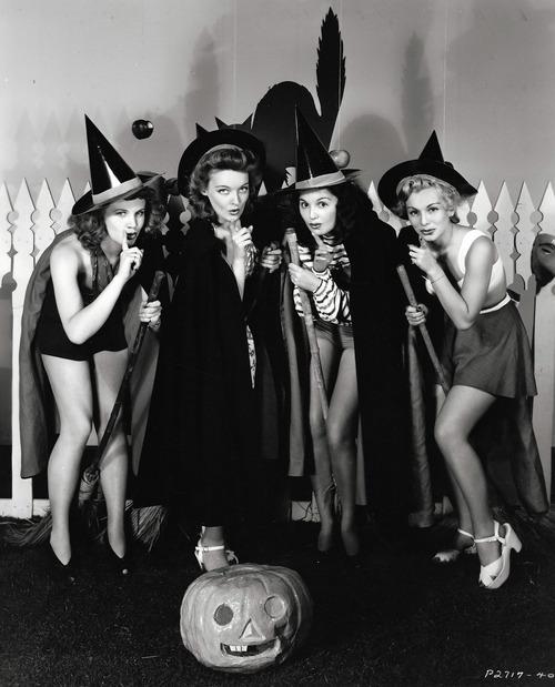 Barbara Britton, Katharine Booth, Ella Neal and Eva Gabor c. 1941 via Smithsonian Mag
